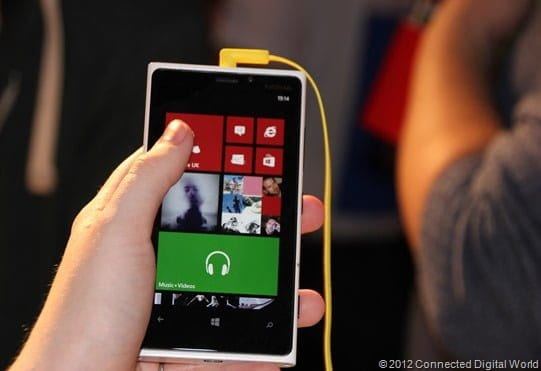CDW - A look at the Nokia Lumia 920 Windows Phone 8 - 19