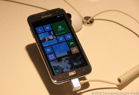 CDW - A look at the Samsung ATIV S Windows Phone 8 - 14
