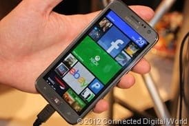CDW - A look at the Samsung ATIV S Windows Phone 8 - 4