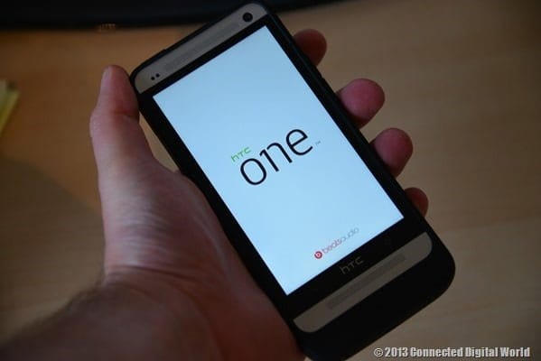 CDW Review mophie juice pack for HTC One - 17