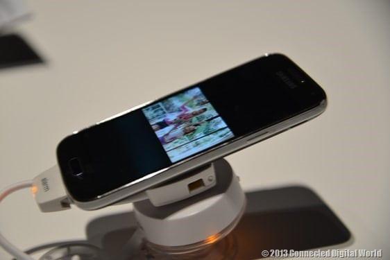 CDW Samsung Galaxy S4 Mini - 7