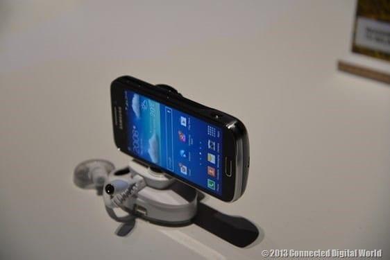 CDW Samsung Galaxy S4 zoom - 4