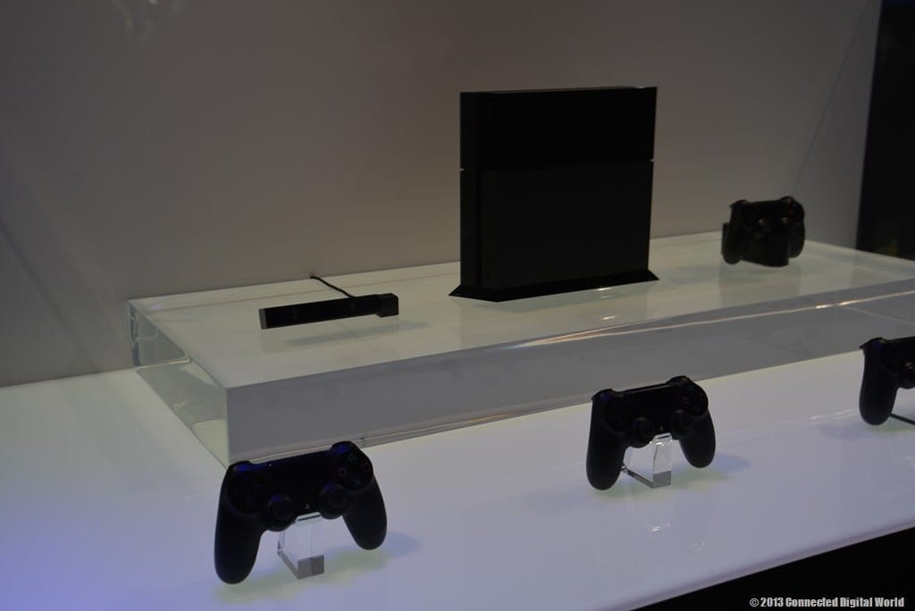 CDW-A-look-at-the-Sony-PlayStation-4-at-E3-2013-1.jpg