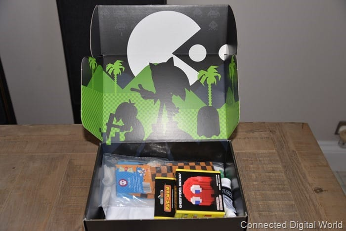 CDW Unboxing ZBOX Retro March 2015 Box - 2
